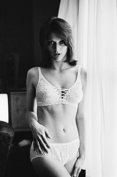 Bra「Erica Creer」:写真・画像(18)[壁紙.com]