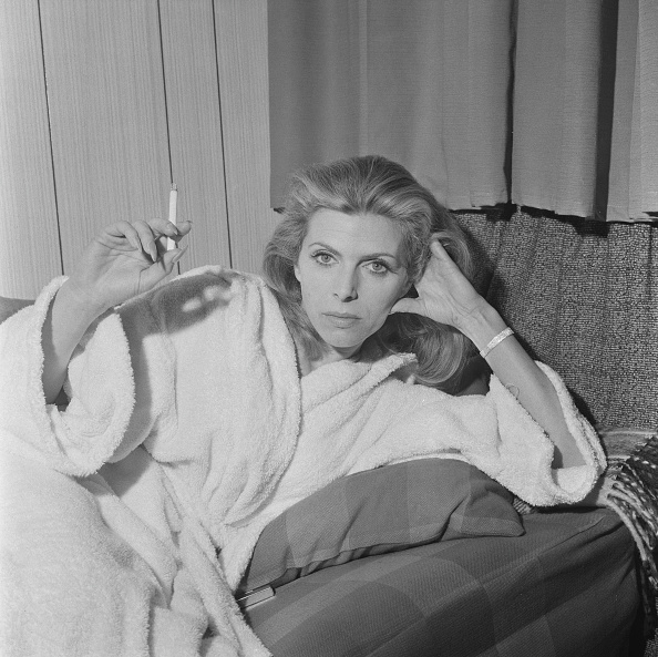 Bathrobe「Billie Whitelaw」:写真・画像(10)[壁紙.com]