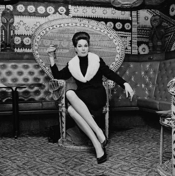 Chair「Tracy Reed」:写真・画像(11)[壁紙.com]
