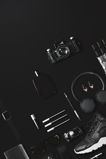 Watch - Timepiece「Black fashion and technology items flat lay on black background」:スマホ壁紙(13)