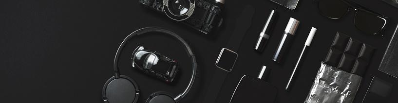 Gear「Black fashion and technology items flat lay on black background」:スマホ壁紙(17)