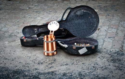 Briefcase「Money for street music」:スマホ壁紙(12)