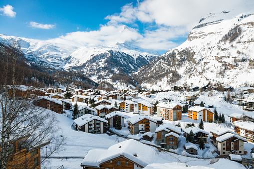 Pennine Alps「Zermatt town with Matterhorn peak in Mattertal, Switzerland, at dawn」:スマホ壁紙(0)