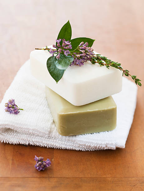 Lavender and soap bars on towel:スマホ壁紙(壁紙.com)