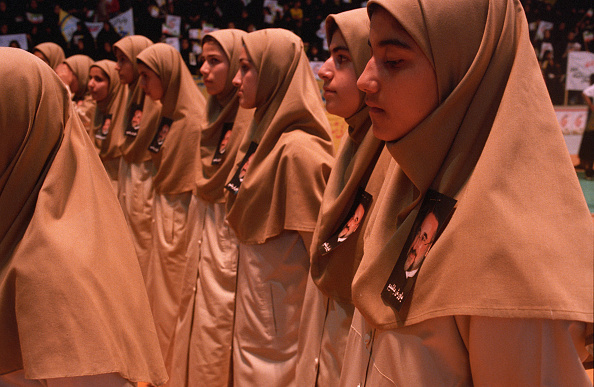 People In A Row「Khatami Fans」:写真・画像(11)[壁紙.com]