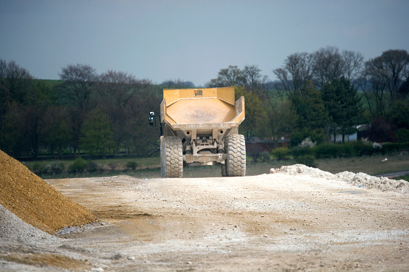 Dust「Baldock Bypass, on the A505, Hertfordshire, England The new bypass involved of over one million cubic meter of earth The scheme was designed and constructed in order to preserve the environment By using on site aggregates the movement of trucks has been」:写真・画像(18)[壁紙.com]