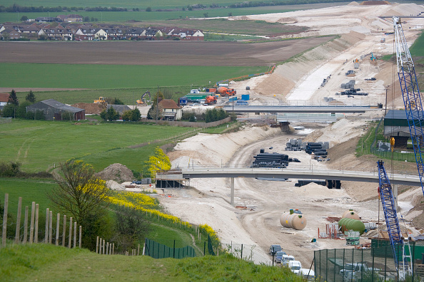 Dust「Baldock Bypass, on the A505, Hertfordshire, England The new bypass involved of over one million cubic meter of earth The scheme was designed and constructed in order to preserve the environment By using on site aggregates the movement of trucks has been」:写真・画像(11)[壁紙.com]