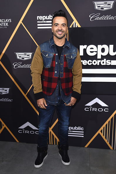 Ciroc「Republic Records Celebrates the GRAMMY Awards in Partnership with Cadillac, Ciroc and Barclays Center - Red Carpet」:写真・画像(8)[壁紙.com]
