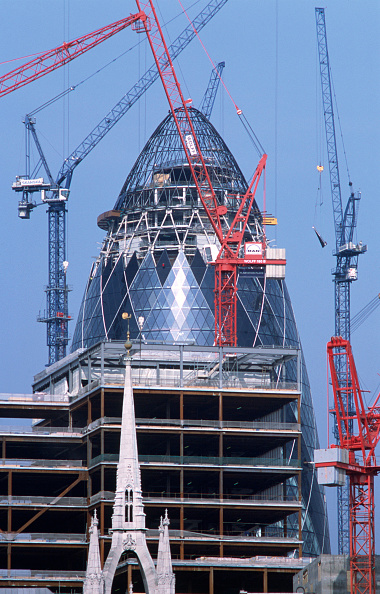 "Urban Skyline「The Gherkin"" (Swiss Re Headquarters) nearing completion, City of London, United Kingdom Designed by Sir Norman Foster and Partners」:写真・画像(18)[壁紙.com]"