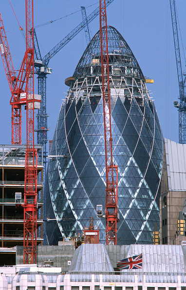 "Urban Skyline「The Gherkin"" (Swiss Re Headquarters) nearing completion, City of London, United Kingdom Designed by Sir Norman Foster and Partners」:写真・画像(3)[壁紙.com]"