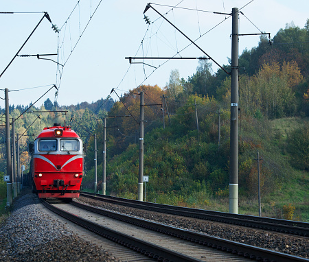 Approaching「Train arriving at station, Vilnius, Lithuania」:スマホ壁紙(7)