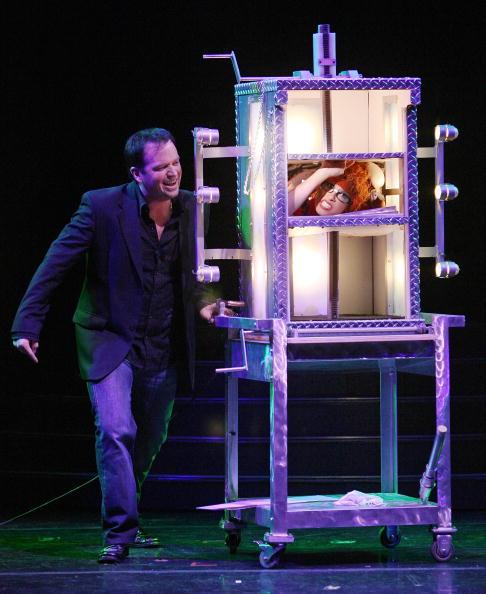 Nathan Burton「Nathan Burton Comedy Magic Opens At Flamingo」:写真・画像(2)[壁紙.com]