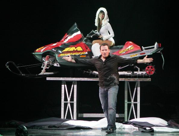 Nathan Burton「Nathan Burton Comedy Magic Opens At Flamingo」:写真・画像(7)[壁紙.com]
