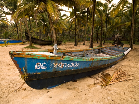 アラビア海「Boat on Shore, Arabian Sea, Kerala, India」:スマホ壁紙(18)