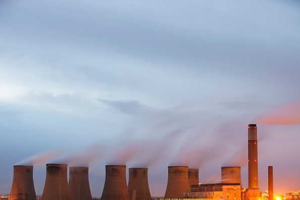 Dirty「Ratcliffe on Soar coal fired power station at dusk in Leicestershire, UK.」:写真・画像(5)[壁紙.com]