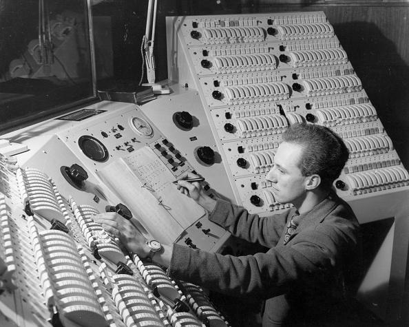 Industrial Equipment「'Give Me Some Light!'」:写真・画像(11)[壁紙.com]