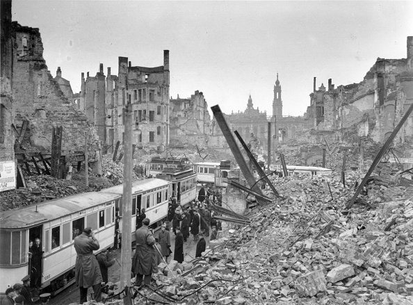 Bomb Damage「Dresden Trams」:写真・画像(1)[壁紙.com]
