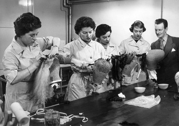 William Vanderson「Hairdressing Class」:写真・画像(10)[壁紙.com]
