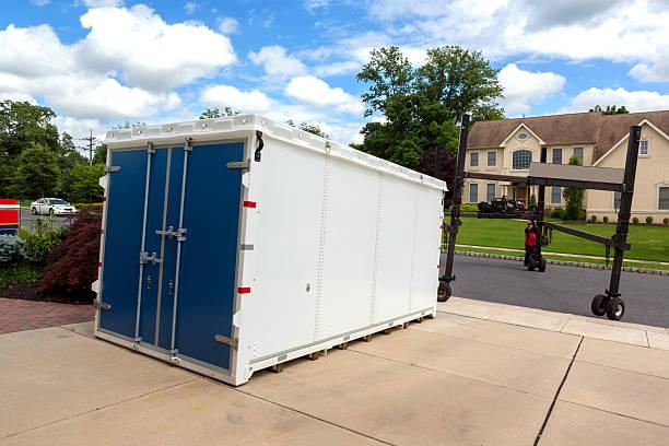 Portable storage unit delivery:スマホ壁紙(壁紙.com)