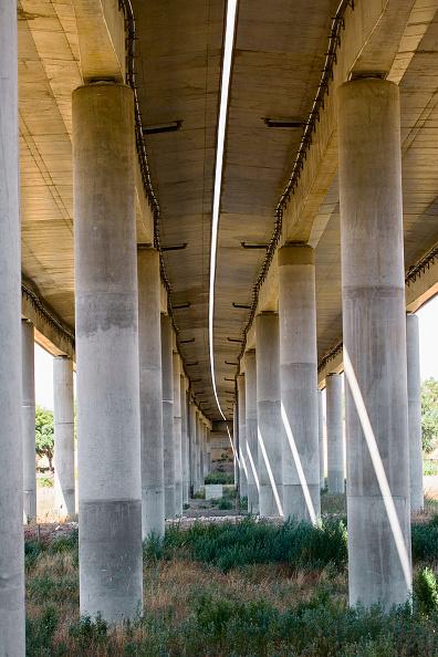 Cement「Concrete columns, Viaduct detail, Portugal」:写真・画像(14)[壁紙.com]