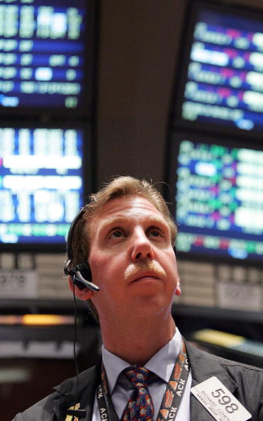 Headset「Stock Market Reacts To Fed Announcement On Interest Rates」:写真・画像(9)[壁紙.com]