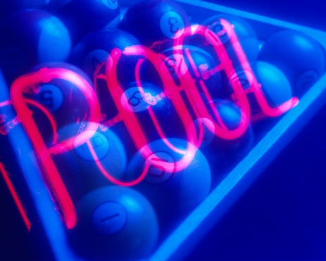 Multiple Exposure「Neon Pool Sign and Rack of Billiard Balls」:スマホ壁紙(0)