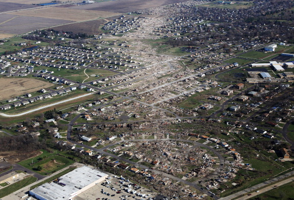 Illinois「Severe Tornado Outbreak Hits Illinois」:写真・画像(12)[壁紙.com]