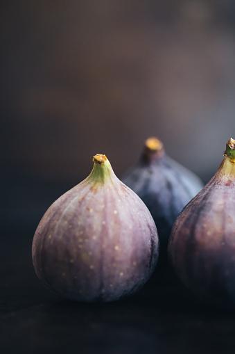 Fig「Three Figs」:スマホ壁紙(17)