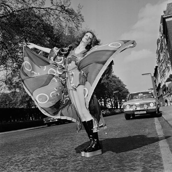 Platform Shoe「Caroline Coon」:写真・画像(19)[壁紙.com]