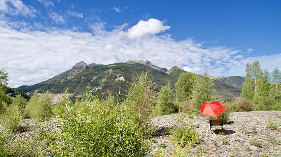 Camping Chair「Red umbrella and mountain clouds, Colorado, USA」:スマホ壁紙(3)