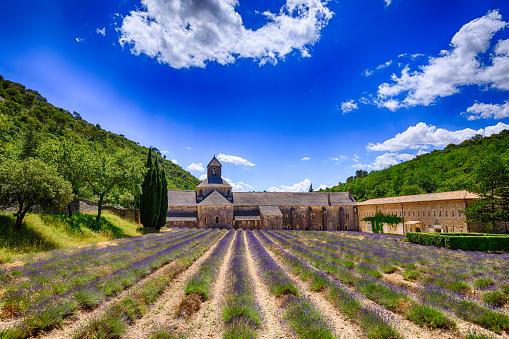 Abbey - Monastery「Abbaye Notre-Dame de Sénanque」:スマホ壁紙(0)