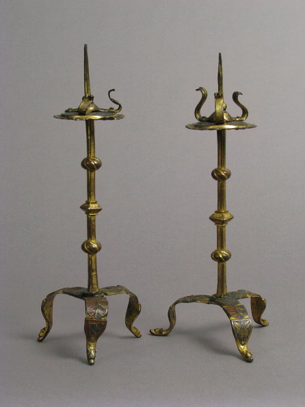 Costume Jewelry「One Of A Pair Of Traveling Candlesticks」:写真・画像(11)[壁紙.com]