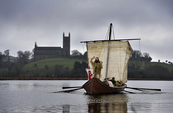 Bestpix「Actors Recreate St Patrick's Landing In Ireland」:写真・画像(7)[壁紙.com]