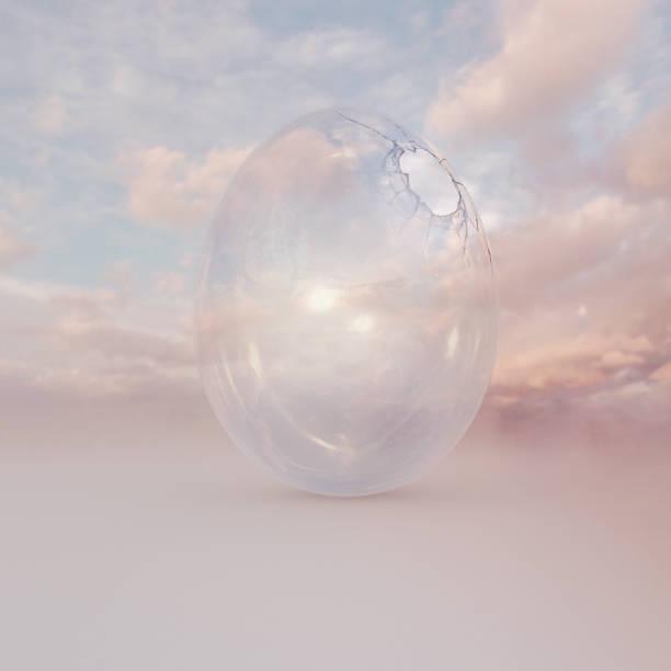Transparent glass egg with hole cracked open:スマホ壁紙(壁紙.com)