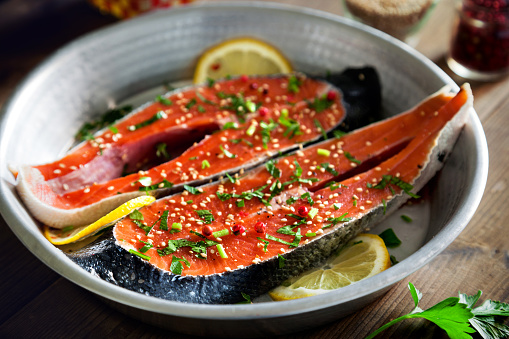 Sesame「Salmon slices seasoned with lemon, sesame oil and parsley」:スマホ壁紙(12)
