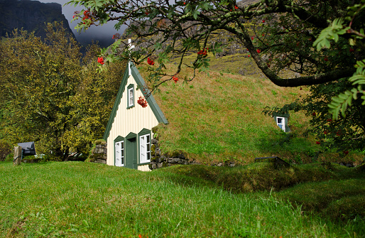 Rowanberry「Hofskirkja Church in Iceland」:スマホ壁紙(19)