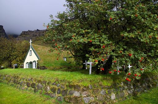 Rowanberry「Hofskirkja Church in Iceland」:スマホ壁紙(15)