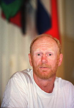 Ski Pole「Martyn Williams Speaks about Pole to Pole 2000」:写真・画像(19)[壁紙.com]