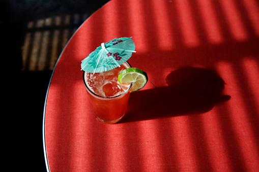 Umbrella「A cocktail served in a cafe」:スマホ壁紙(18)