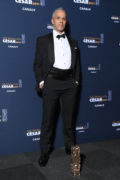 Sami Bouajila「Awards Room - Cesar Film Awards 2021 At L'Olympia In Paris」:写真・画像(12)[壁紙.com]