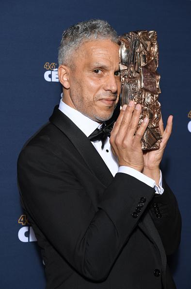 Sami Bouajila「Awards Room - Cesar Film Awards 2021 At L'Olympia In Paris」:写真・画像(7)[壁紙.com]