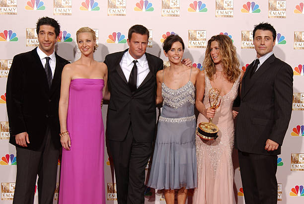 Friends cast at 54th Annual Primetime Emmy Awards Backstage:ニュース(壁紙.com)