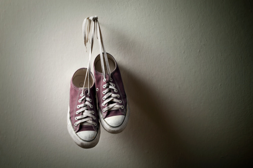 Youth Culture「Sneakers hanging on the wall」:スマホ壁紙(10)