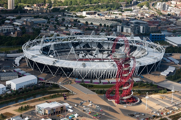 Orbiting「Olympic Stadium And Orbit Tower」:写真・画像(5)[壁紙.com]