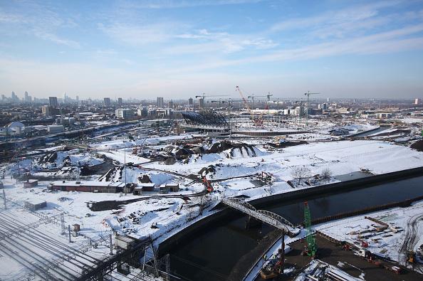 Canal「Olympic Stadium construction site under snow, February 2009」:写真・画像(5)[壁紙.com]