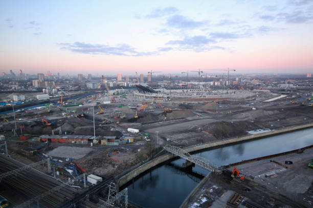 Olympic Stadium during construction, Stratford, London, UK, dawn, January 2009, looking West:ニュース(壁紙.com)