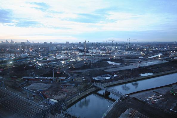 Horizon「Olympic Stadium during construction, Stratford, London, UK, afternoon twilight, January 2009, looking West」:写真・画像(10)[壁紙.com]