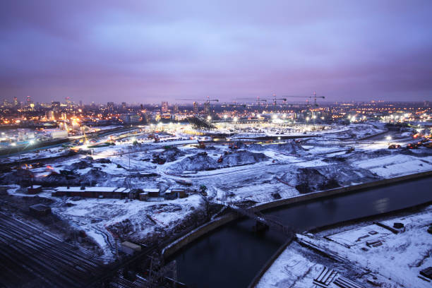 Olympic Stadium during construction, Stratford, London, UK, snowy dawn, January 2009, looking West:ニュース(壁紙.com)