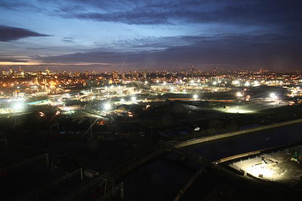 Horizon「Olympic Stadium during construction, Stratford, London, UK, dusk, January 2009, looking West」:写真・画像(2)[壁紙.com]