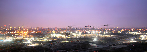 Horizon「Olympic Stadium during construction, Stratford, London, UK, dusk, January 2009, looking West」:写真・画像(18)[壁紙.com]